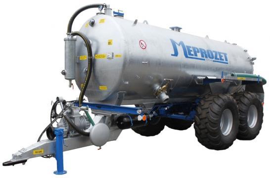Vidanja PN 100 - 10.700 litri de la Romagrotehnica Srl.