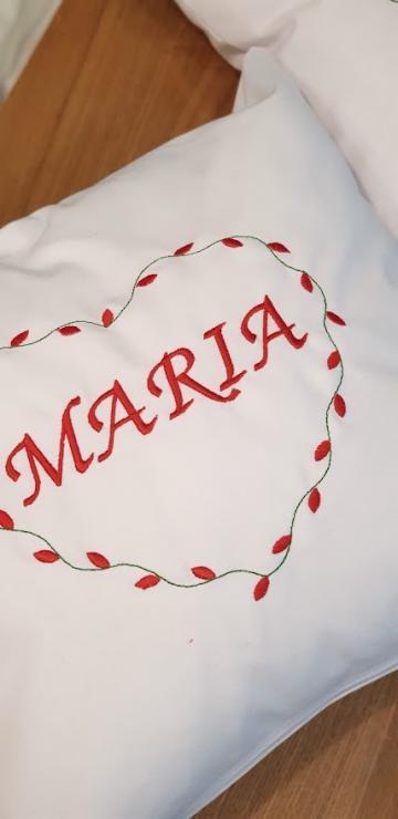 Perna decorativa cu nume de la Soho Red Design Srl