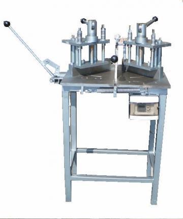 Masina de lipit PVC manuala de la Mecatronic S.R.L.