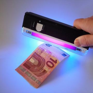 Detector de bani falsi, cu UV si lanterna LED de la Plasma Trade Srl (happymax.ro)