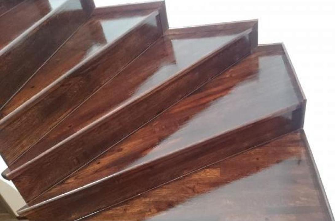 Placare trepte beton cu lemn masiv de stejar