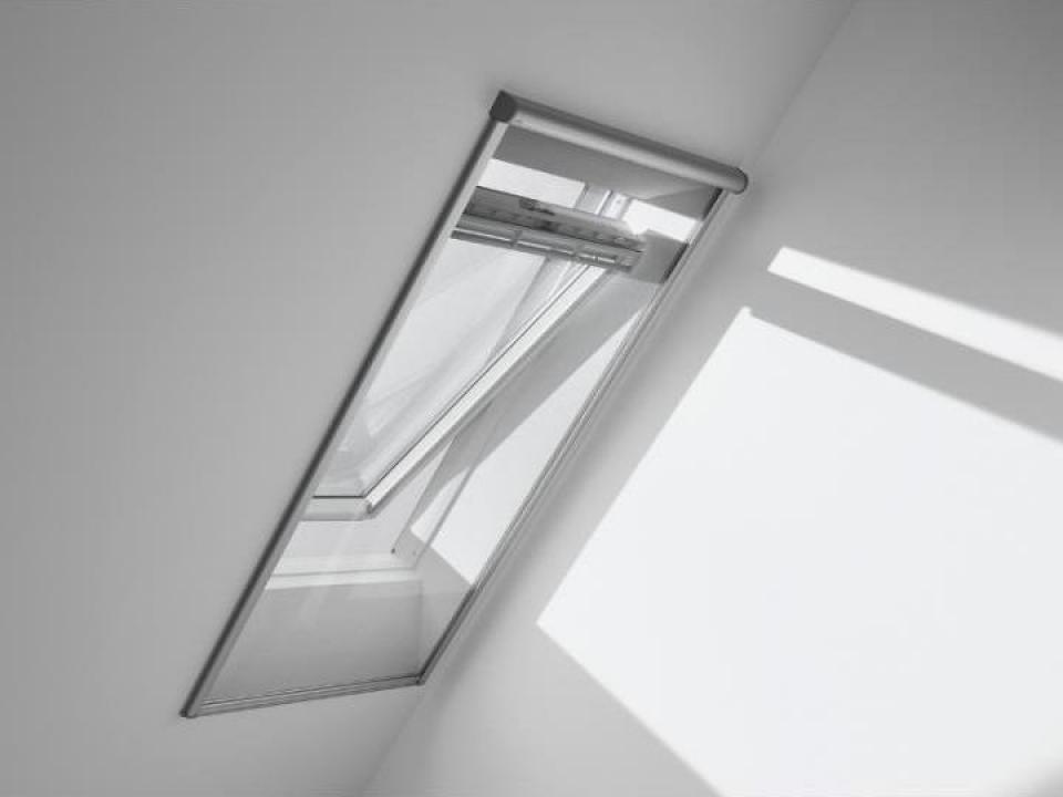 plasa pentru ferestre impotriva insectelor velux bucuresti astek concept construct id 16864757. Black Bedroom Furniture Sets. Home Design Ideas