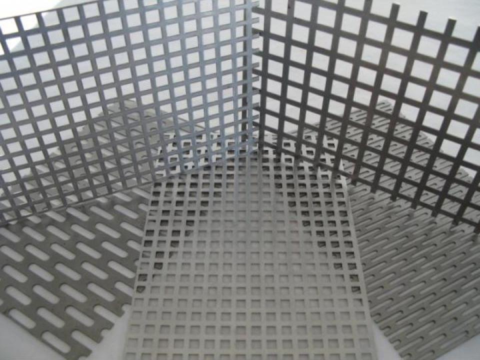 Tabla perforata inox cu perforatii